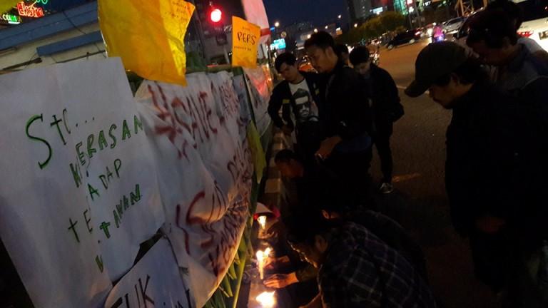 Bendera Kuning dan Lilin sebagai bentuk protes atas matinya kebebasan pers.